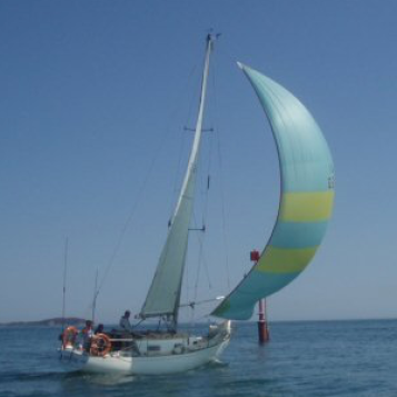 Shy reach with medium spinnaker